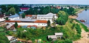 наб.Кускова д.11 (на берегу реки Сухона)