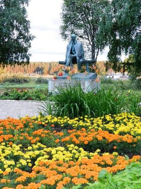 Памятник Н.М.Рубцову