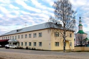 """Здание гостиницы """"Рассвет"""", в котором располагается офис предприятия """"ТотьмаТур"""""""""""