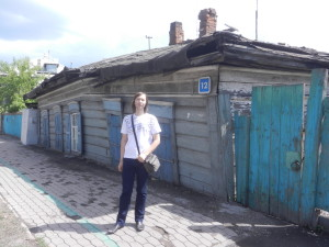 Алексей Новоселов у дома А.Д.Кускова в Иркутске
