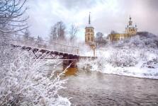 монастырь зима